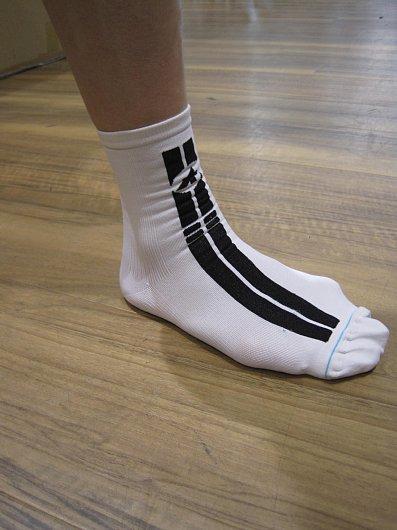 ASSOSは靴下も極めています。