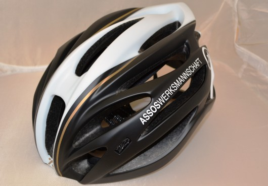 【ASSOS】サイクリングウェア・プレミアムブランド オリジナルヘルメット  「JINGO」