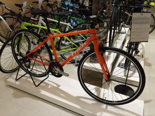 NEW COLOR ! クロスバイク 7.4FX
