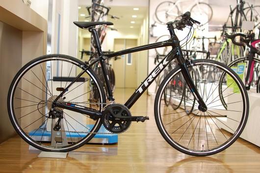 究極の快適性を誇るフルカーボン仕様クロスバイク「7.9FX」