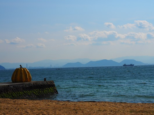 現代アートの島 直島へサイクリングに行ってきました。