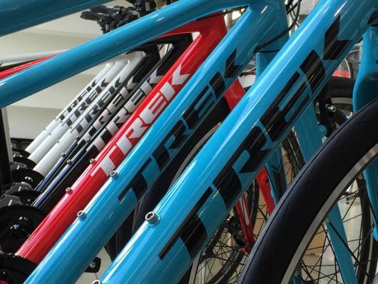 春です。クロスバイク トレック FXシリーズでスポーツバイク始めましょう。