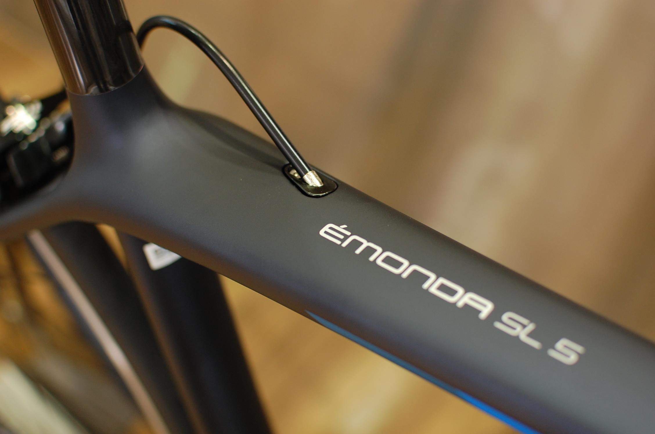 【2018年モデル】TREK Emonda SL 5入荷しています。