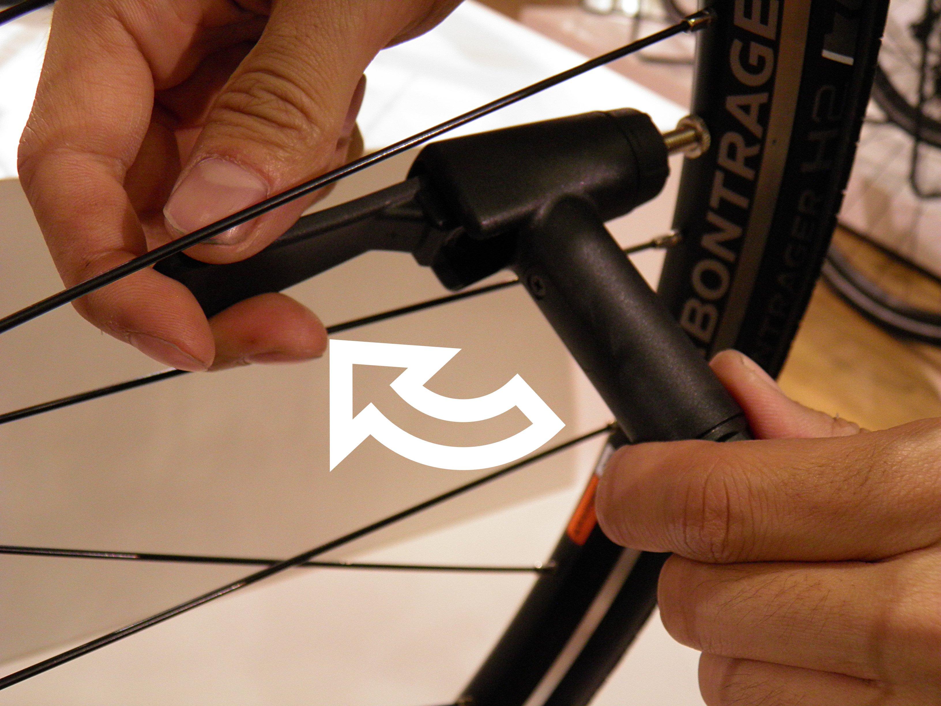 スポーツバイクの空気の入れ方。フレンチバルブ(仏式)& アメリカンバルブ(米式)