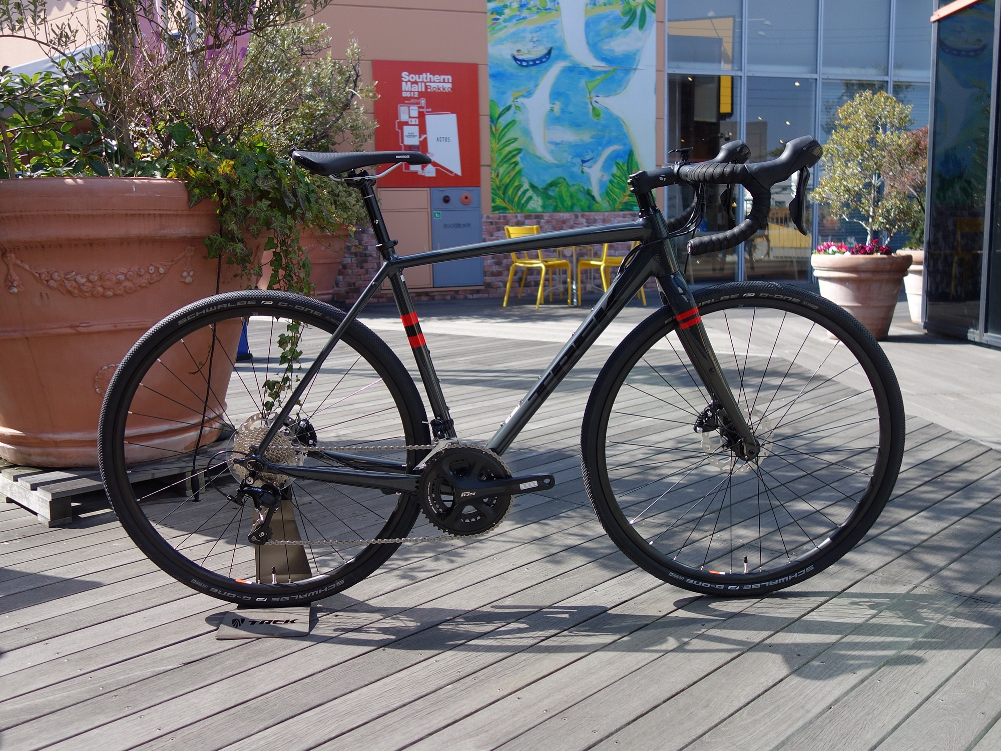 TREK Bicycle 神戸六甲★この週末にすぐ持って帰れる★即納OK!なクロスバイク・ロードバイク(3/16更新)&★話題のNEWバイク…