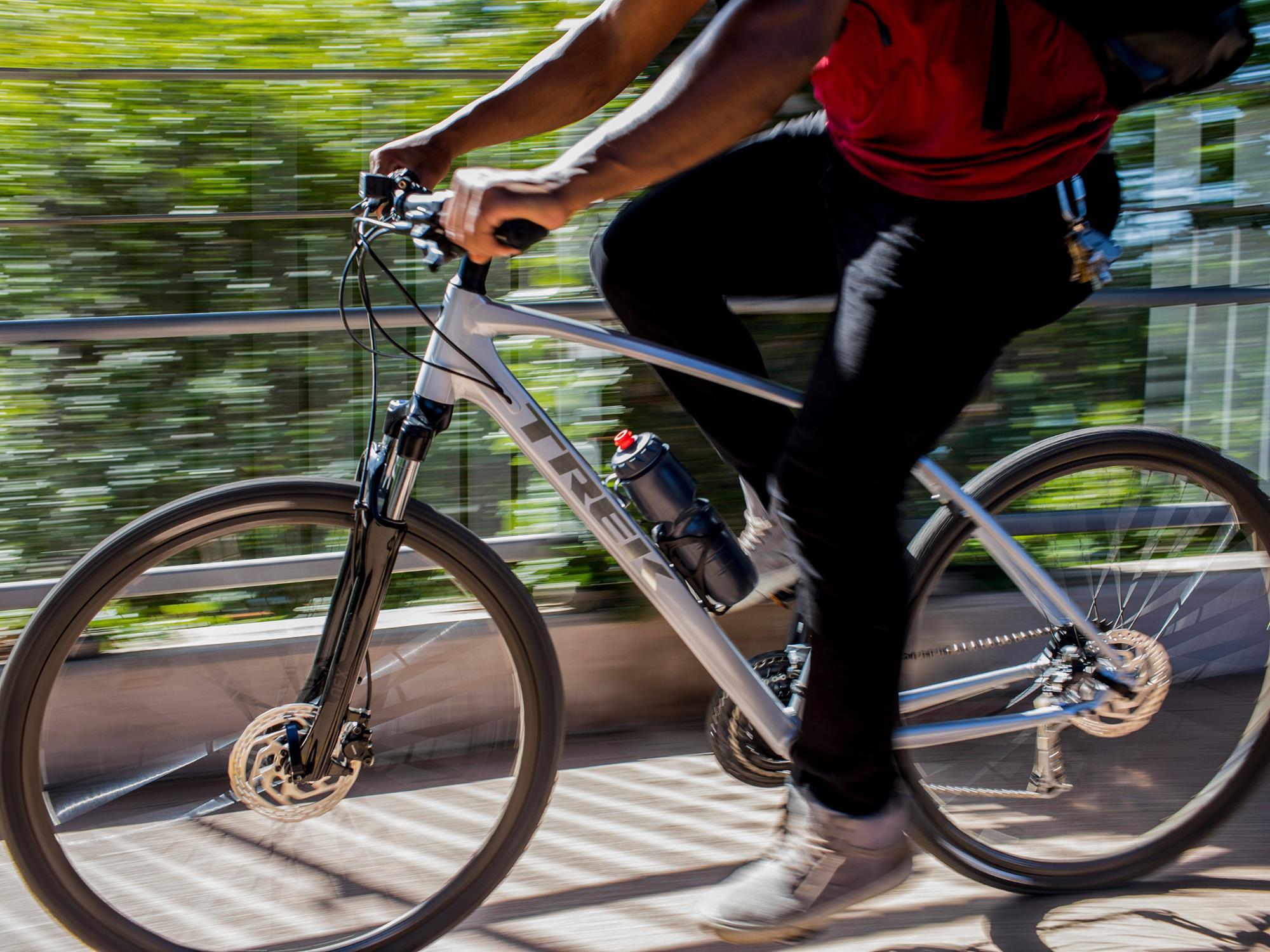 ★新型「DUAL SPORT」★いろんな道を楽しく走れるクロスバイク!神戸六甲店に続々入荷中!