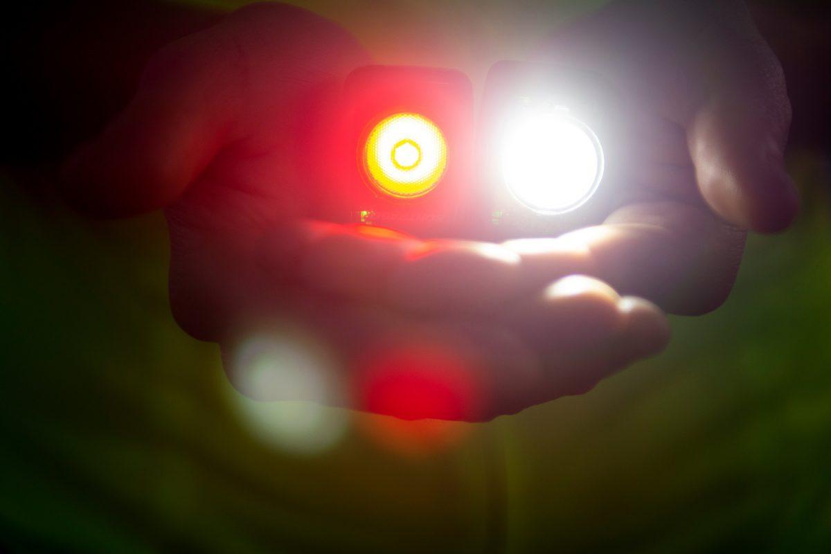『自動調光機能』を搭載した新型ボントレガーライト「Ion 200 RT」「Flare RT」