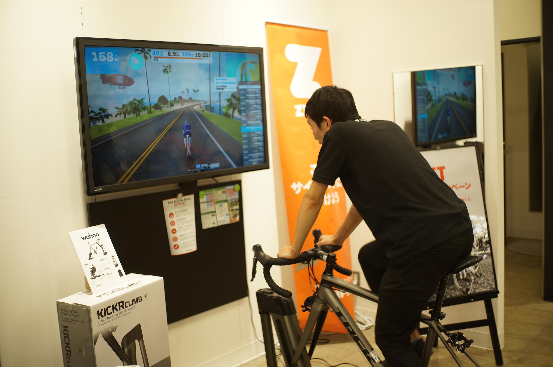 「Zwift」を使って室内でサイクリングを楽しもう!