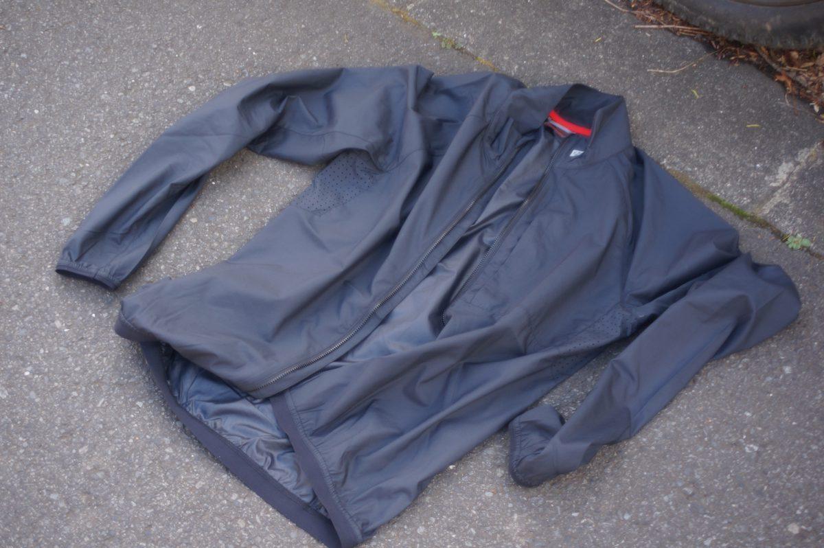 [スタッフおすすめ]これからの時期に欠かせないスタッフ音澤のオススメ防風・収納性・通気性に優れたジャケットを持って出かけよう!!