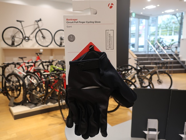 【スタッフおすすめ】どんなバイクでも使える「Full Finger Glove」