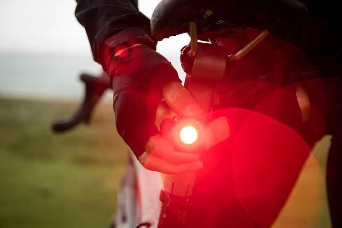 【父の日ギフトにも最適!】ボントレガーの安全なライトでサイクリングを楽しみましょう!