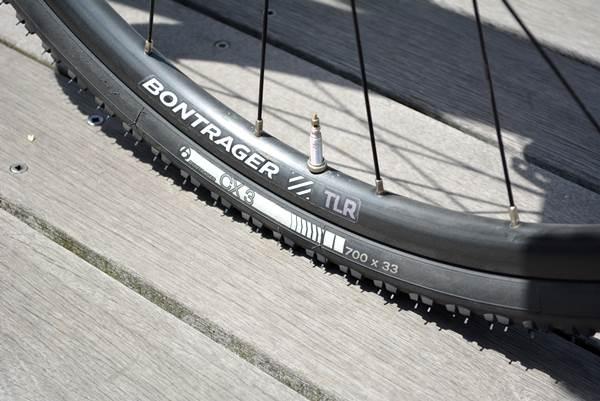 【新R3タイヤ装着】チューブレス+32cで快適に!!シクロクロスをオンロード使用へ…