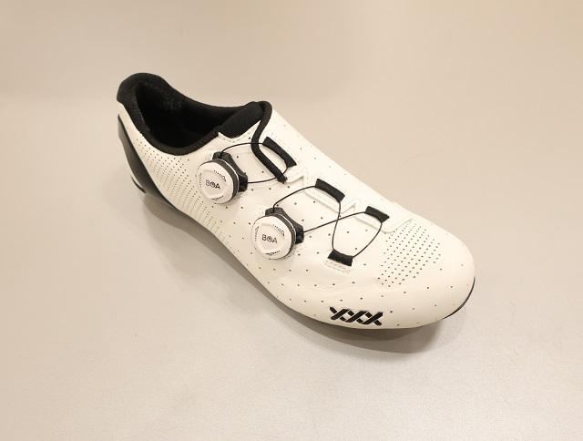 新型XXX Road Shoe 入荷しています!