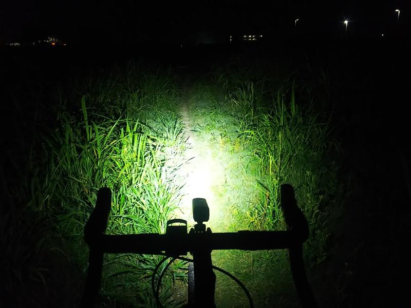 BONTRAGER ハイパワーライトで夜の河川敷グラベルライド
