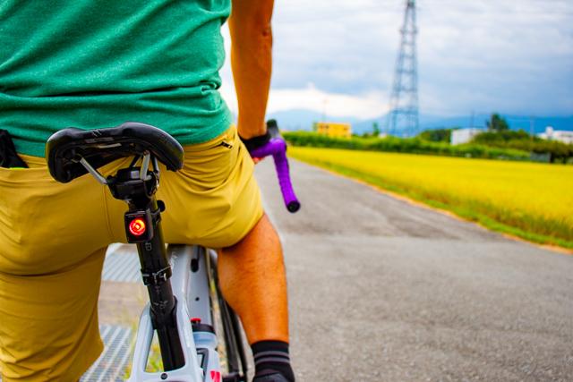 日中ライト使用のススメ──事故なく安全にスポーツバイクライフを楽しむために