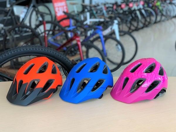 Bontragerの新しいキッズ用ヘルメット2モデル全3色が入荷!店頭にご用意しております☆