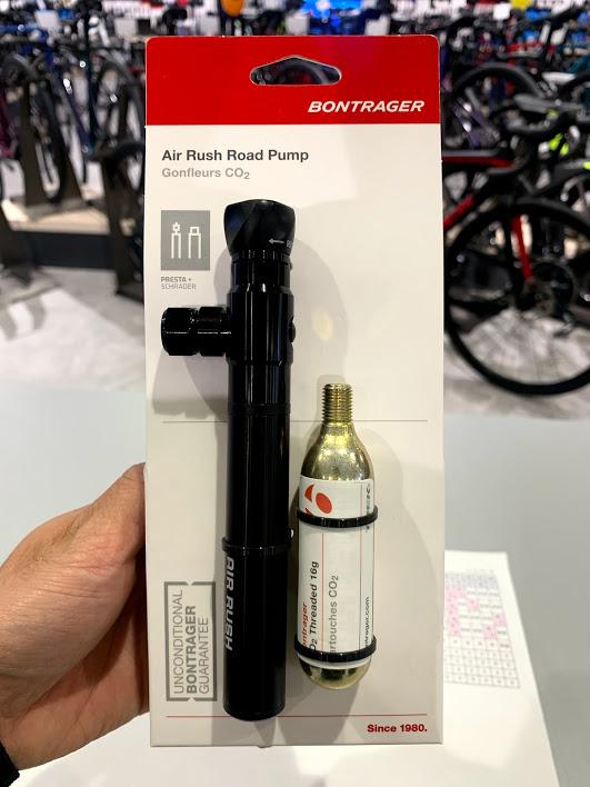 【スタッフおすすめアイテム】便利なマルチ携帯ポンプ Air Rush Road Pump Gonfleurs CO2