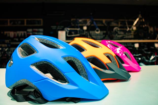 お子さま向けの新ヘルメット「Tyro-タイロ-」入荷しました!!