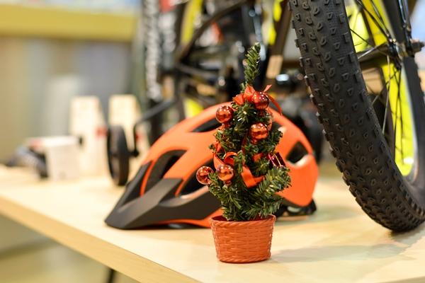 【クリスマスまで一カ月!】プレゼントにキッズバイクはいかがでしょうか?