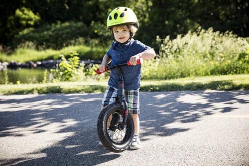 キッズバイクにはキッズヘルメットが必要です!