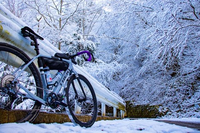 【自転車ラーツー】グラベルロードCheckpointでゆく、雪山へラーメンを食べに行くライド