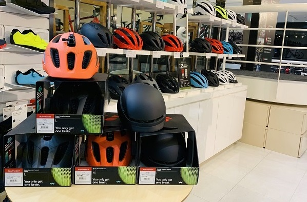 限定受注モデルのWaveCelヘルメット「Blaze」&「Charge」が数量限定で入荷しております!