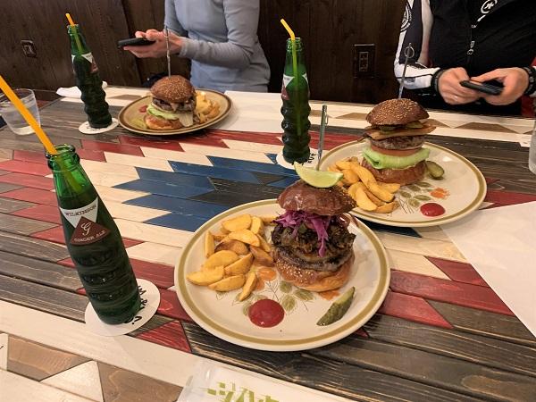 ☆スタッフライド日記「ボリューム満点ハンバーガーを求めて」