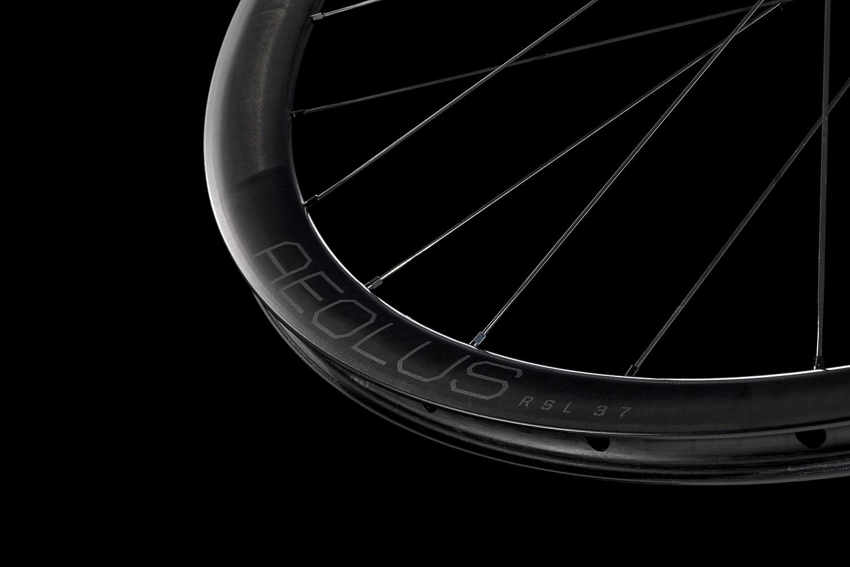 新型カーボンホイール&一体型ハンドルバー『Aeolus RSL』シリーズが登場