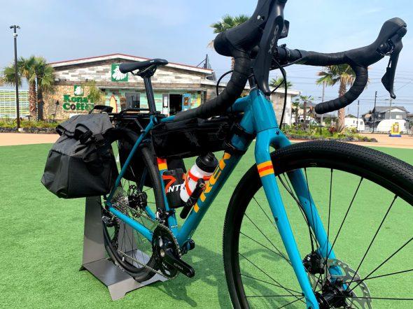 CHECKPOINT ALR5 を旅バイクに大変身!カスタム一例。