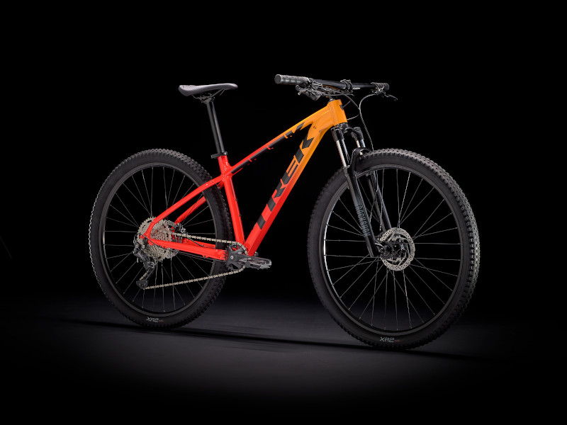 【2021年モデル】自転車通勤から本格ライドまで使えるマウンテンバイク「Marlin」「X-Caliber」
