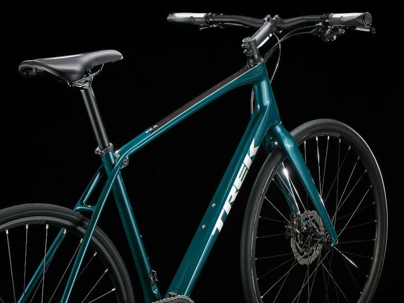 【2021年モデル】カーボンフレーム採用のクロスバイク『FX Sport Carbon 4』
