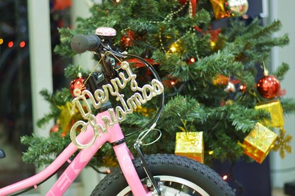 【KIDS BIKEはTREKで!】クリスマスプレゼントにキッズバイクはいかがでしょうか!