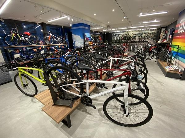 【今、手に入るクロスバイク+e-bike!】TREK直営 大阪梅田店、店舗在庫情報!【7/24時点の店舗在庫です!】
