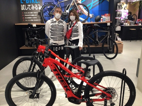 【Happy New Bike Day!】~大阪梅田店 納車シーン Powerfly 5~